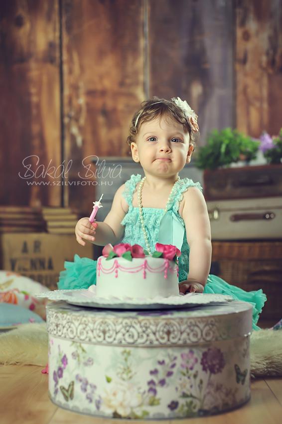 Első születésnapi torta